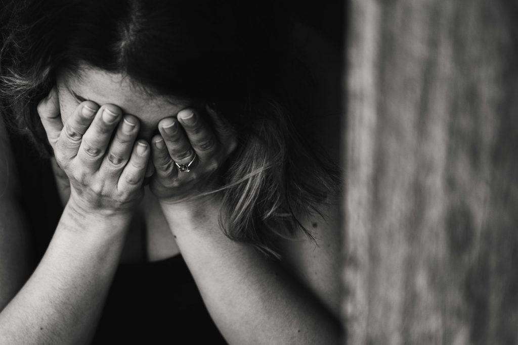 孤独感や挫折感から抜け出すには?